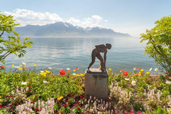 La baigneuse - Sculpture au bord du Lac Leman
