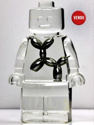 Œuvre vendue -Résine sculptée en forme de robot lego avec gravure et inclusion Jeff Koons
