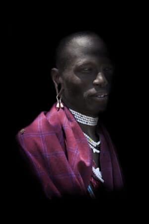 Homme et abeilles - Tribu Massai en Tanzanie